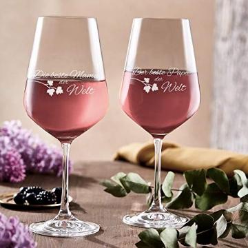 AMAVEL Rotweingläser, 2er Set Weingläser mit Gravur für Mama und Papa, Weinglas als Geschenkidee für Eltern, Füllmenge: 500 ml - 4