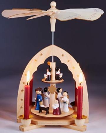 Brubaker 2-stöckige Weihnachtspyramide aus Holz - 30 cm - Krippenszene mit Jesuskind Maria und Josef, Engeln und Sternsingern - 2