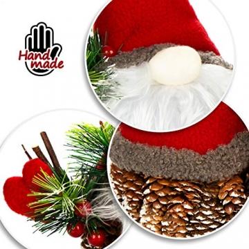 com-four® Weihnachtsmannfigur Größe XL, winterliche Santa Claus-Figur mit Tannenzapfenkörper, weihnachtliche Dekoration, hinreißende Tischdeko zur Adventszeit (Santa XL rot grün) - 4