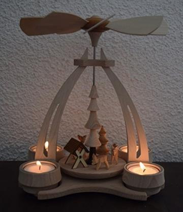 Dekohelden24 Tisch-Pyramide aus Buchenholz, Rehe mit Futterkrippe, ca. 24 cm. Inkl. 4 Stück Dekohelden Teelichte - 5