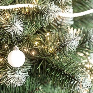 FairyTrees künstlicher Weihnachtsbaum Kiefer, Natur-Weiss beschneit, Material PVC, echte Tannenzapfen, inkl. Holzständer, 180cm, FT04-180 - 4