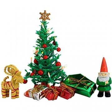 Lundby 60-604700 - Weihnachtsdeko Christbaum mit LED-Licht Puppenhaus - 7-teilig - Puppenhauszubehör - Weihnachtsbaum - Weihnachtsmann - Zubehör - ab 4 Jahre - 11 cm Puppen - Minipuppen 1:18 - 1
