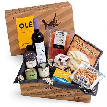 Geschenkkorb Olé mit spanischen Delikatessen I Präsentkorb gefüllt mit ausgesuchten Tapas-Klassikern & Rotwein aus Spanien - 1