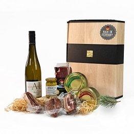 """Schwarzwald Metzgerei - Geschenkset """"Vesper"""" mit verschiedenen Wurtsspezialitäten, einem Gourmet-Senf und hervorragenden Weißwein - 8-teilig - 1"""