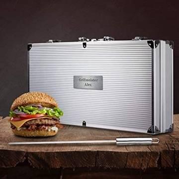 Smyla Personalisierter Grillkoffer mit Gravur   Premium Grillbesteck aus Edelstahl mit Wunsch-Namen   professionelles Grill-Zubehör als Geschenk für Männer - Silber, 15-Teilig - 1