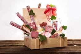 WURSTBARON® Wurst & Käse Geschenk Kiste aus Holz mit Beschlägen, Salami Snacks, Tolle Geschenkidee für jeden Anlass - 1