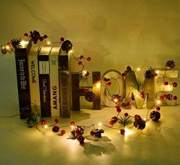 YQing 204cm Weihnachtskiefer Girlande, Weihnachtsgirlande mit LED,Rote Beeren, Kiefernzapfen, Beerengirlande Deko für Kamin-Tür-Winter-Innendekoration im Freien - 6