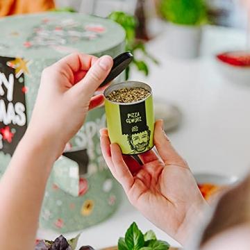 Just Spices Gewürz Adventskalender 2021 I Weihnachtskalender mit 24 Gewürzmischungen + brandneues Kochbuch I Hochwertige Gewürze als Geschenk für Männer und Frauen I insgesamt 4,5 kg - 5