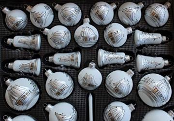 Lauscha 40er Christbaumschmuck, Weihnachtsbaumkugel Weiß mit Haus in Silber, 38 Kugel+Spitze+Aufhänger, Handarbeit - 2